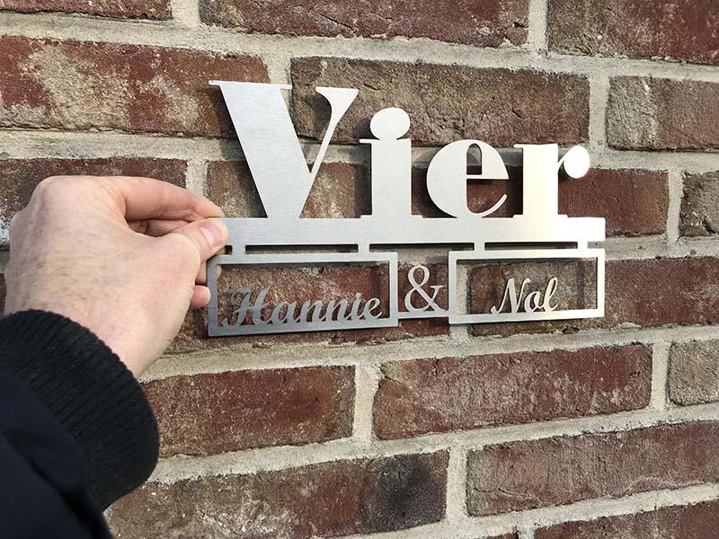 Huisnummerbord RVS met huisnummer in tekst